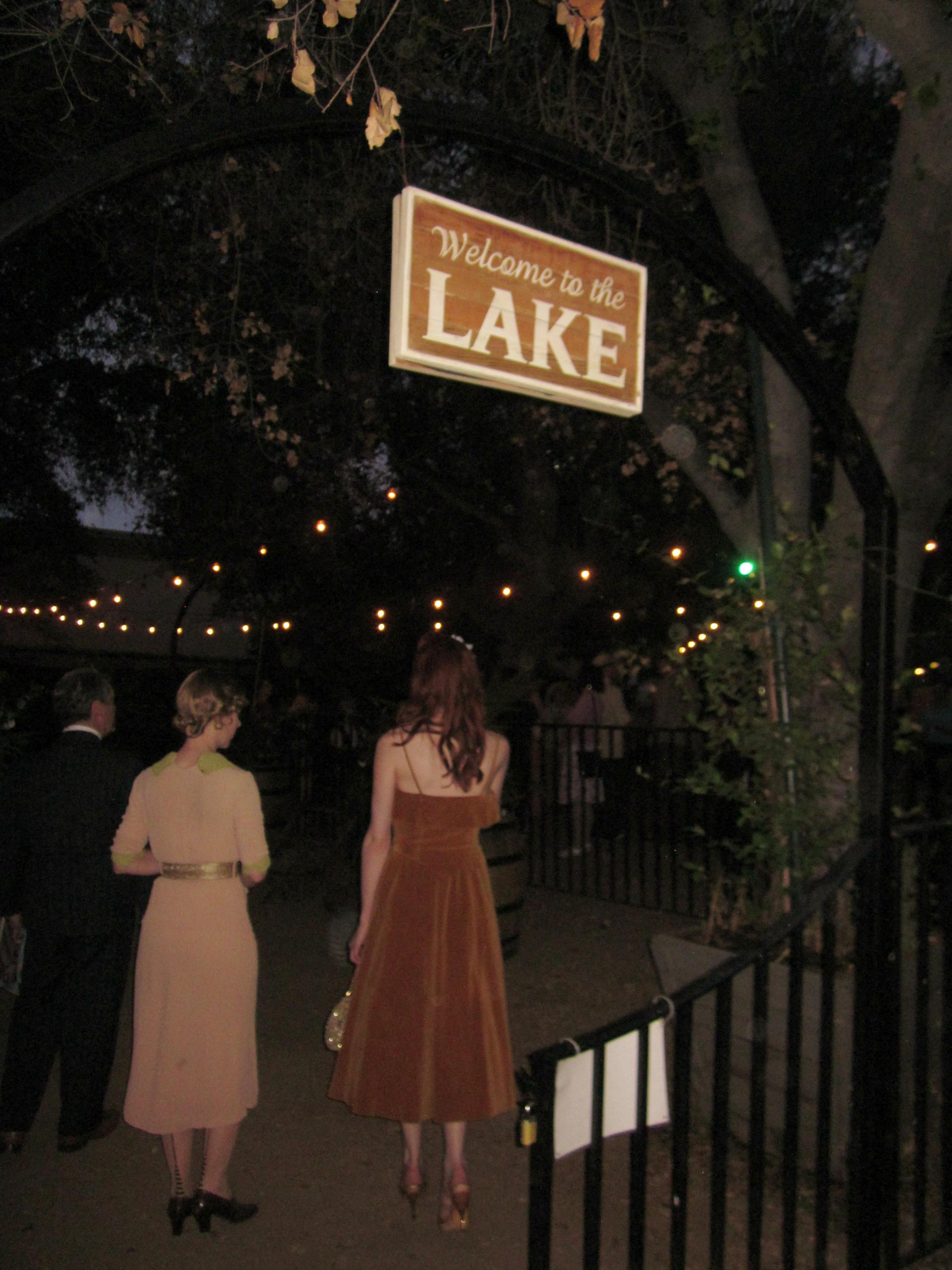 lakesideCafeEntrance