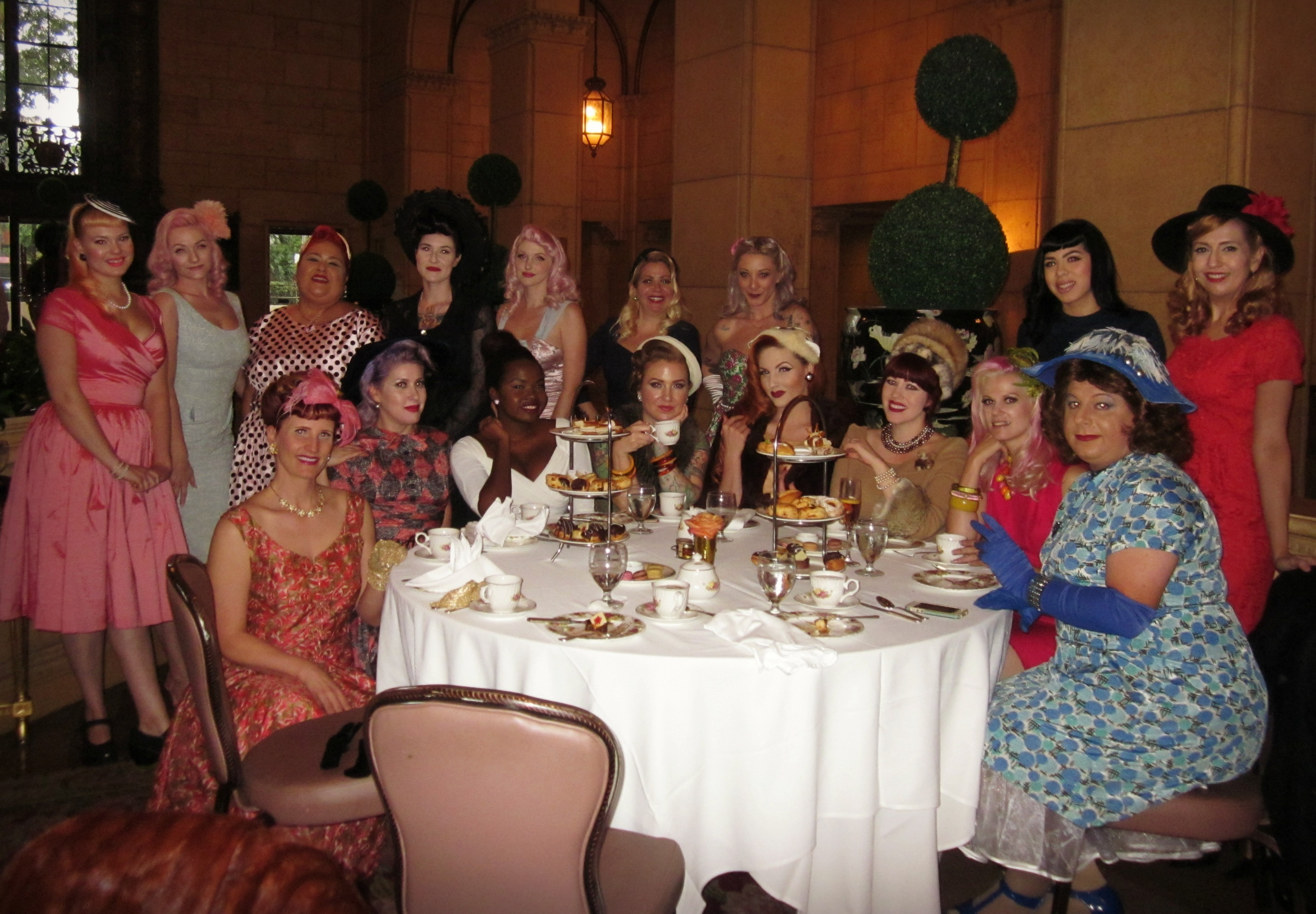 Stiletto City - Ladies Tea Party with Vintage Style 2e37cdee3eb