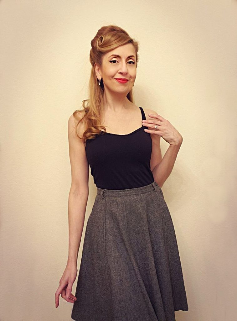 Vintage style in winter: tank top layer