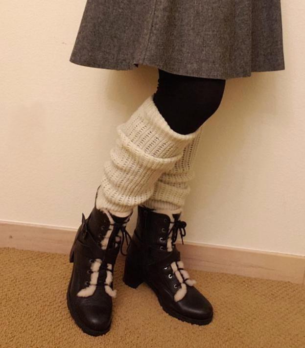 Vintage style in winter: leg warmers