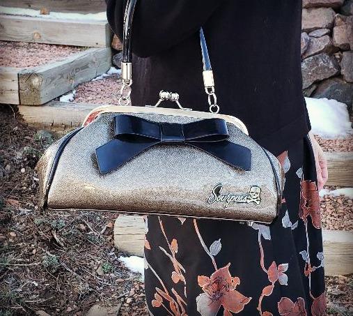 Vintage style purse