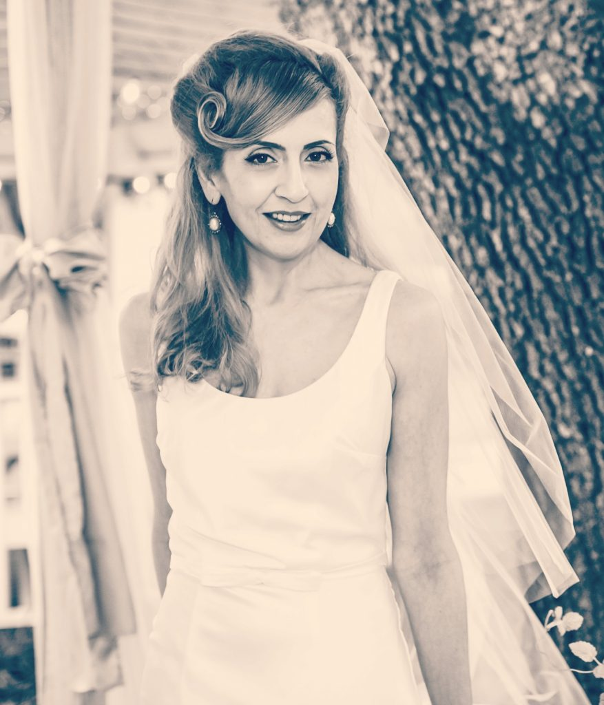 vintage inspired wedding dress look