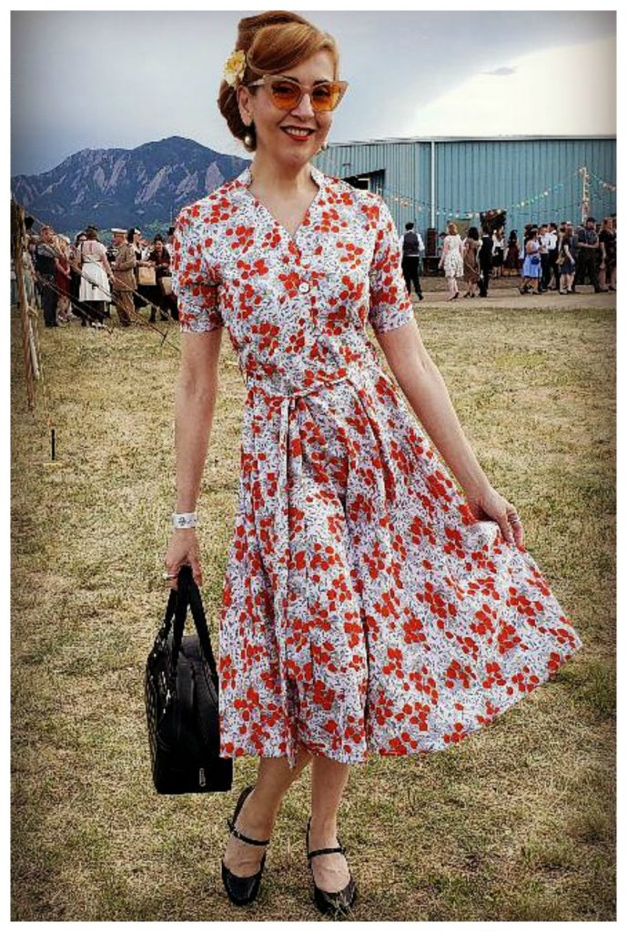 Vintage fashion 1940s inspired outfit