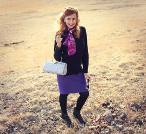 Women's Crewneck Sweater with a Vintage Scarf
