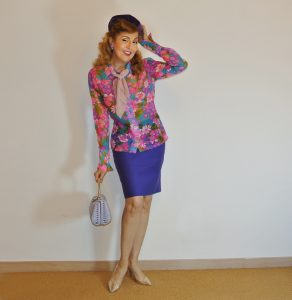 Monochrom Vintage Outfit in Purple